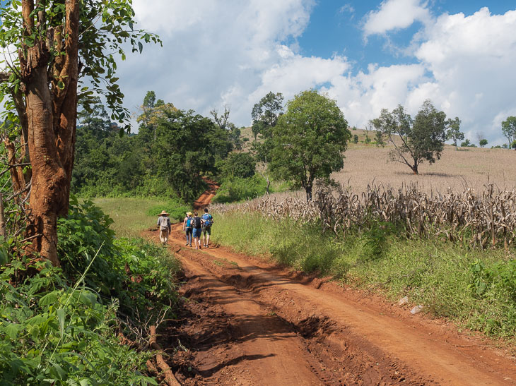 trekking-hsipaw-featured