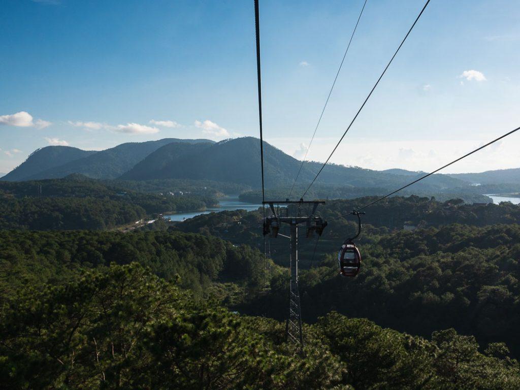 cable-car-views-da-lat-vietnam