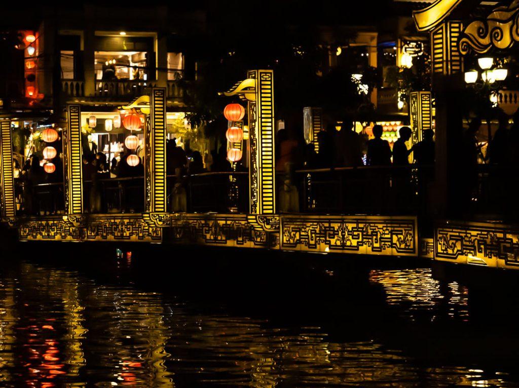 cau-an-hoi-bridge-hoi-an-vietnam