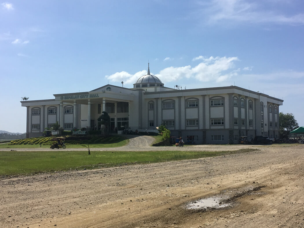 The new city hall building in Sipalay