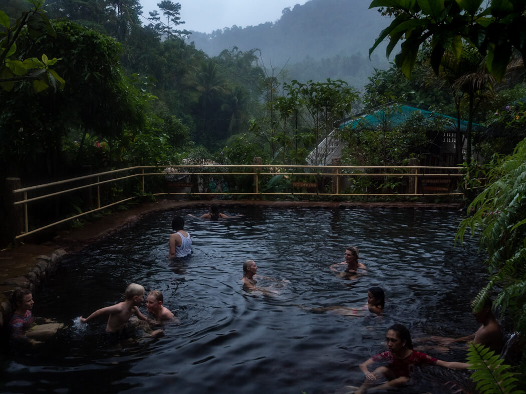 Natural springs in Valencia, Negros