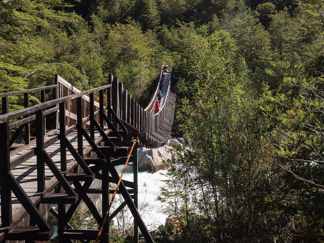 A footbridge crosses the rio ventisquero